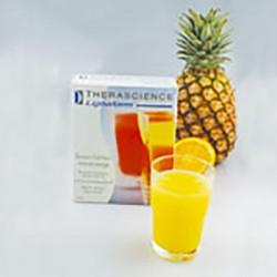 Bebida fría de piña y naranja